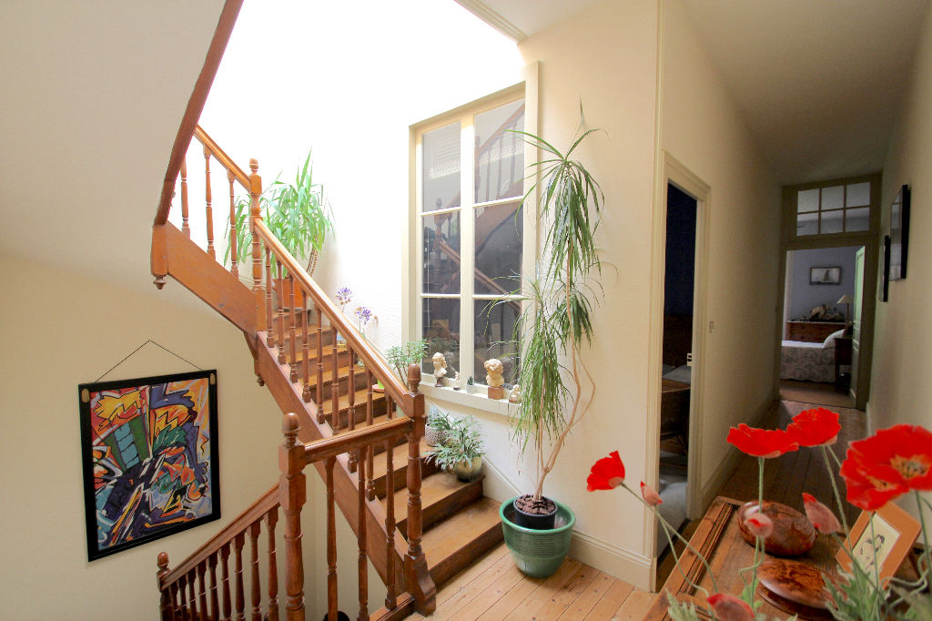 Beautiful townhouse with garages to rent 6/13