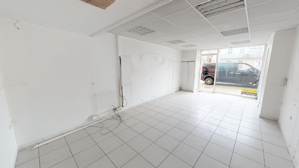 Activity space Villeneuve Sur Lot right bank 50 m2 2/6